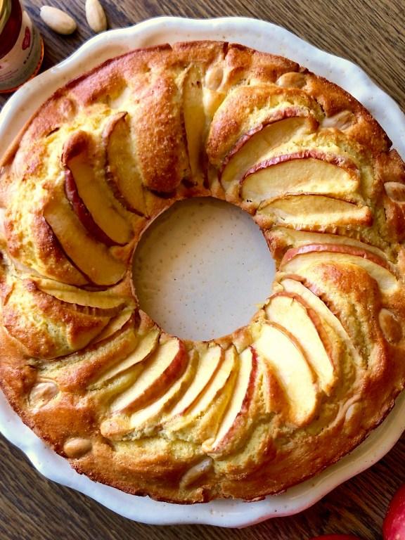 Cake alle mele miele e mandorle