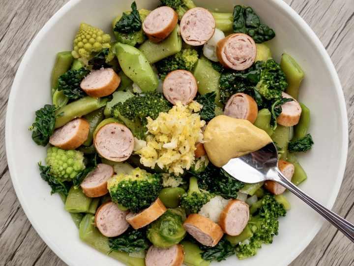 insalata di crucifere taccole e würstel