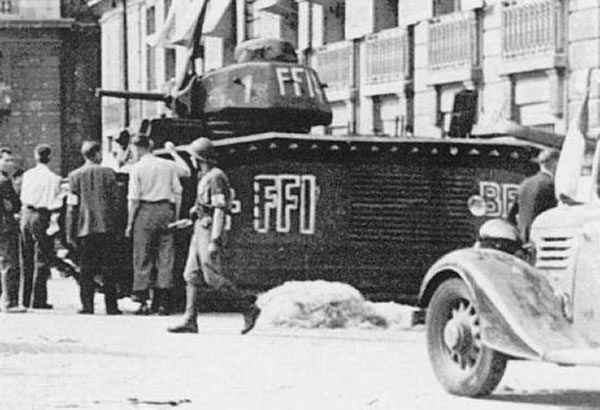 B1-bis captured by FFI (Forces Françaises de l'Intérieur), battle of Paris, August 1944.