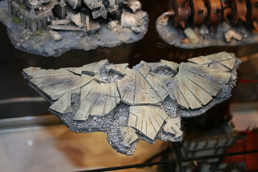 Fallen Imperial Eagle on display cabinets at GamesDay 2007
