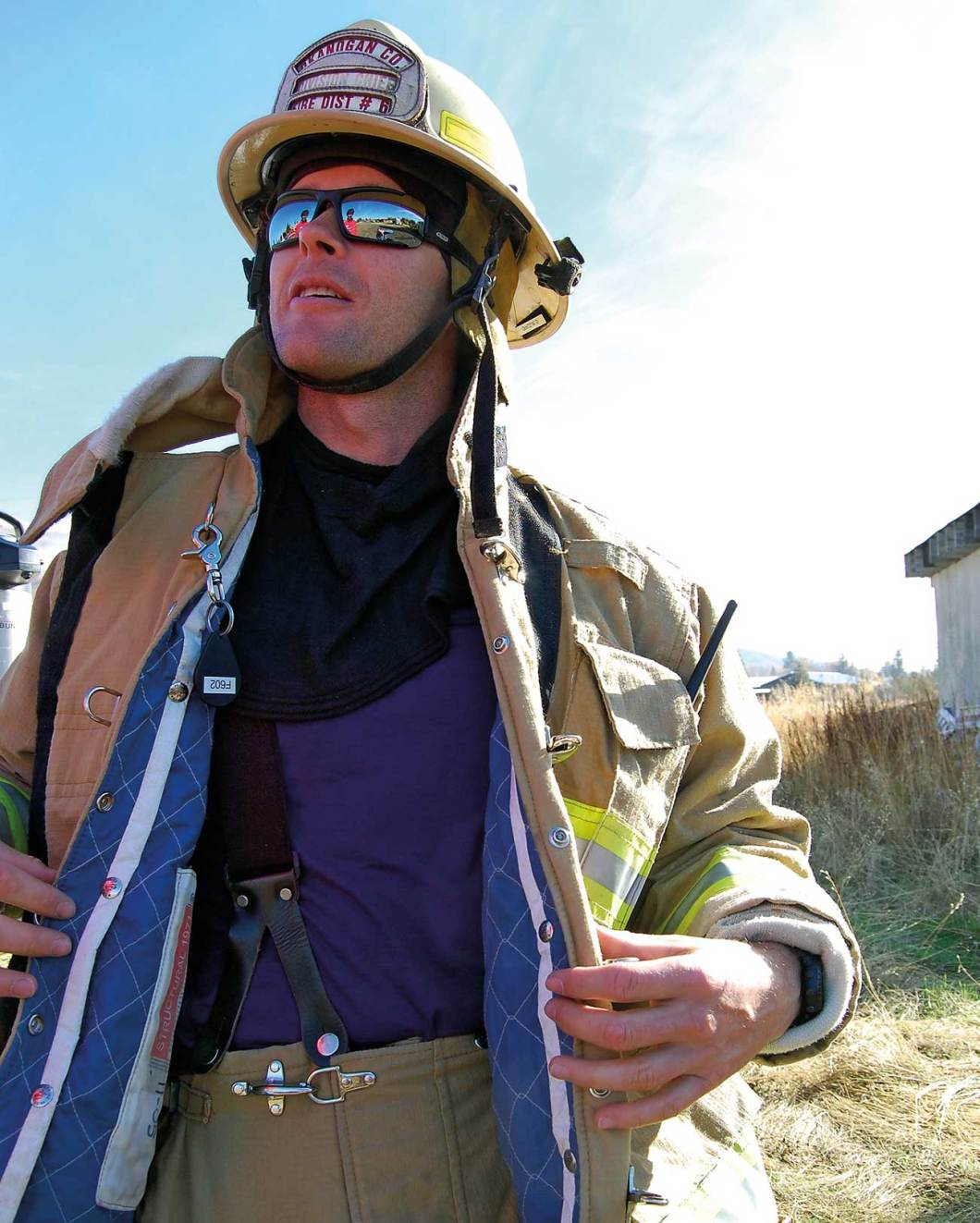 Ottis Buzzard, Okanogan Fire District, WA wears Armadillo Merino®.