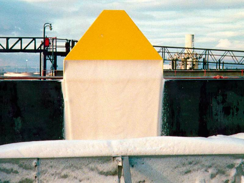 Angus Rimseal Pourers make the most cost-effective use of foam concentrate and water resources by producing the designed foam solution application rate.