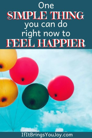Simple & free way you can feel happier immediately. This tip can be done right NOW, works every time, and no supplies are needed. Increase your happiness (and reduce stress) right now. #happiness #smiling #smile