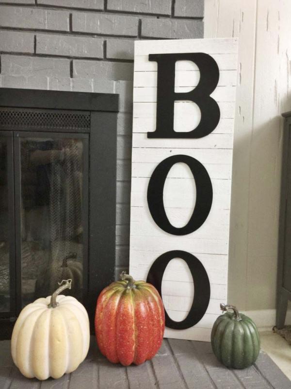 Halloween BOO wooden sign