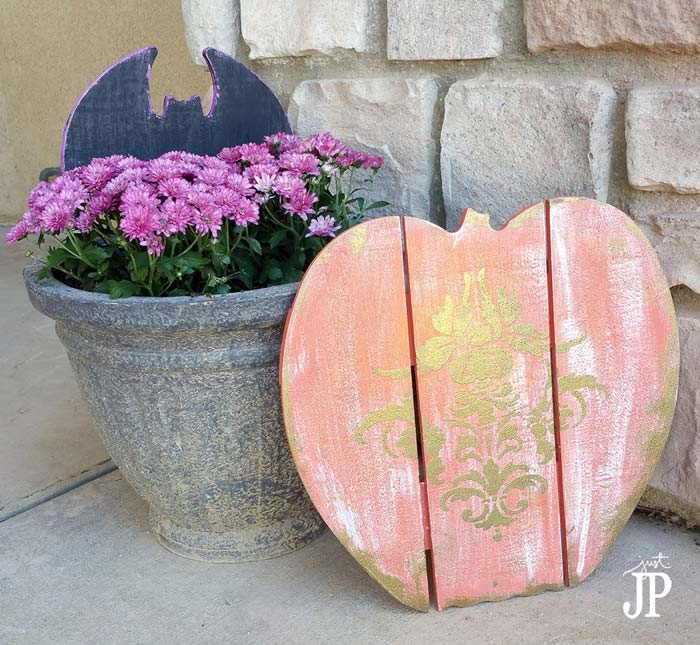 Wood pumpkin porch decor