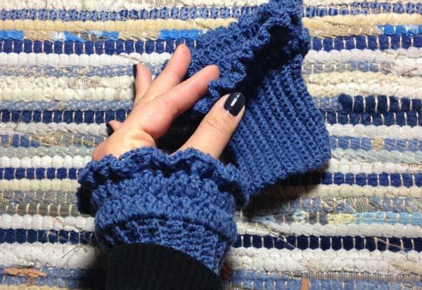 Crocheted wrist warmers