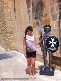 Me posing with a knight :)