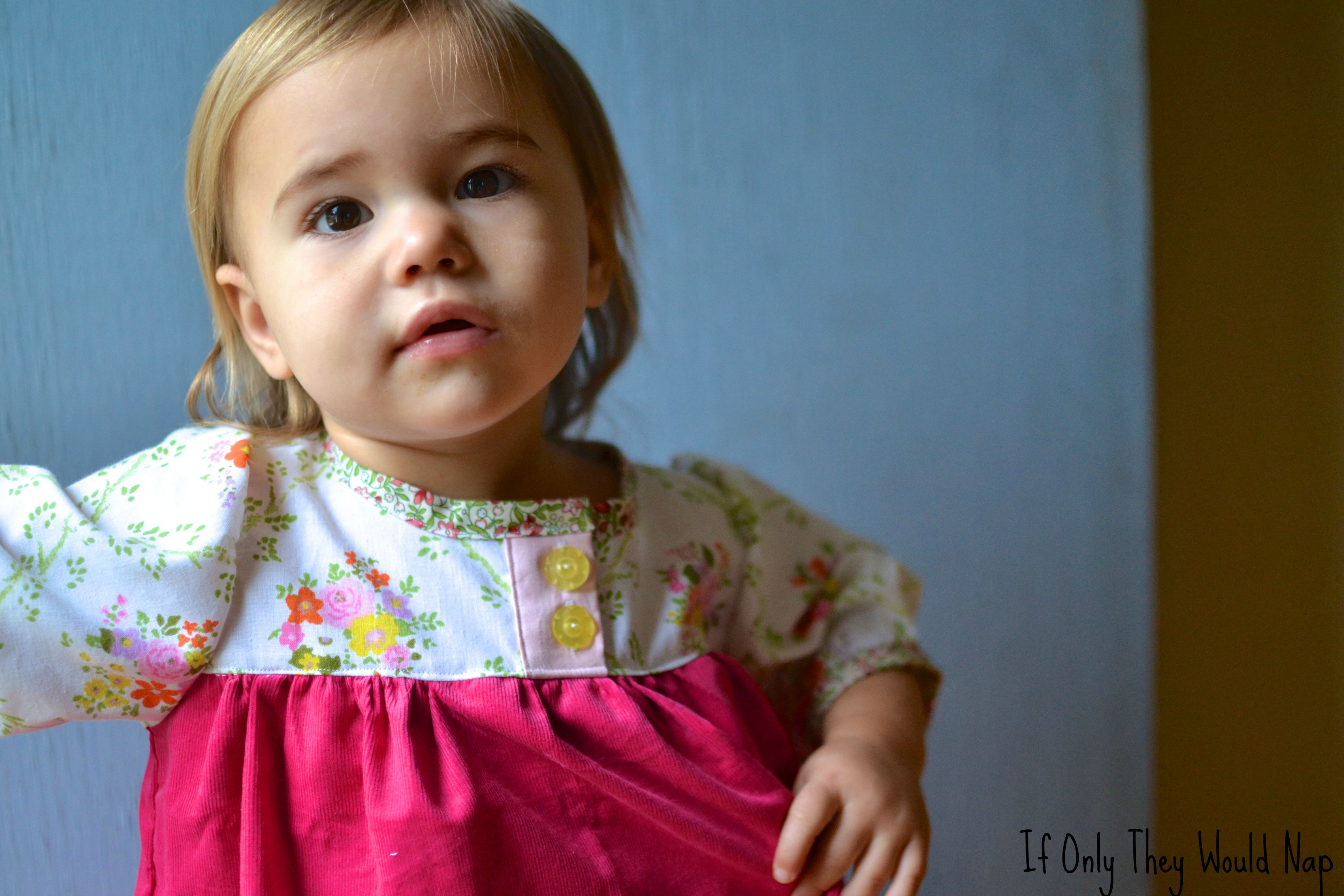 Vintage Fabric Olivia Dress And A Pattern Giveaway