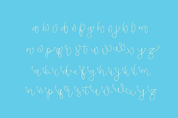 Dughter Script Font