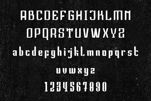 Tearsa Blackletter Font