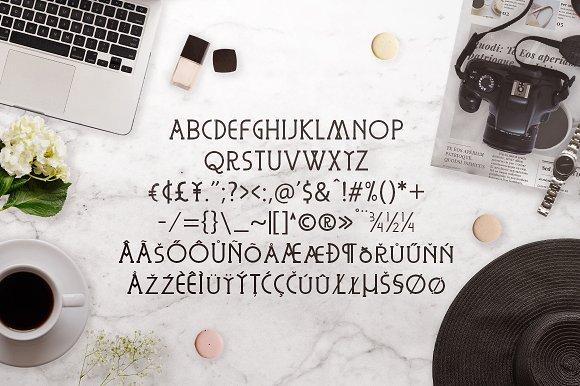 Corlombus Font