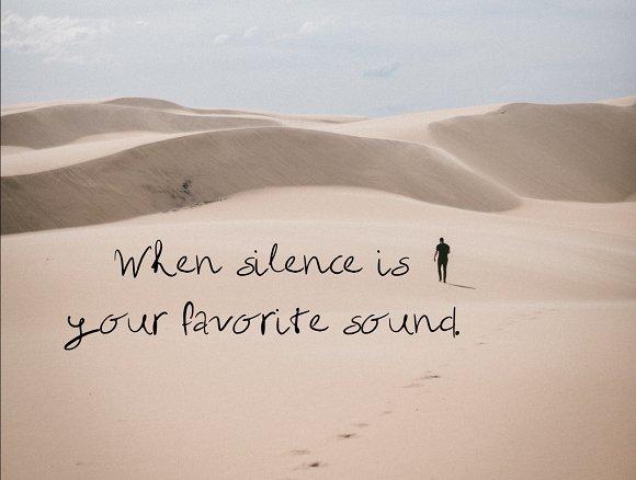 Solitude Handwritten Font