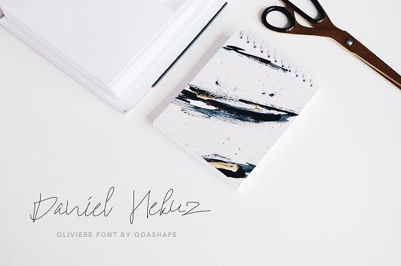 Oliviere Handwritten Font