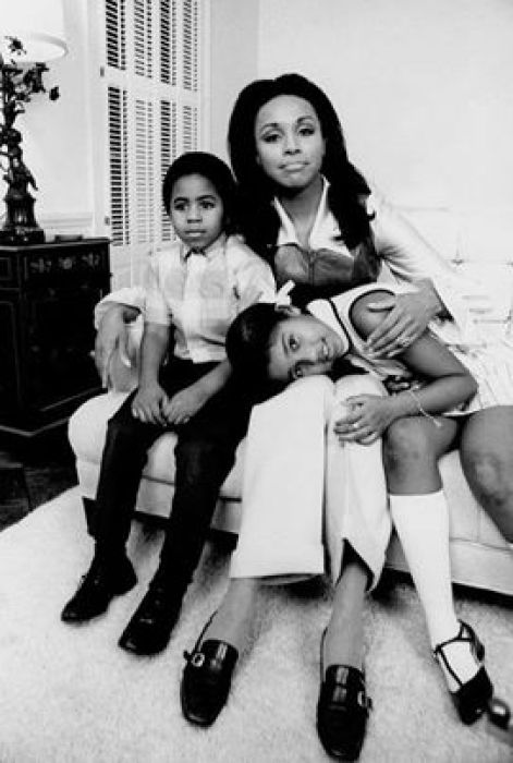 Diahann Carroll, her daughter Suzanne, and Julia co-star Mark Copage.