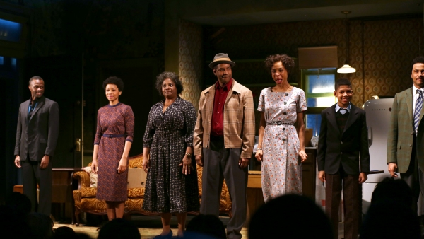 Denzel Washington and Company Take the Stage as A Raisin in the Sun Opens on Broadway Kenny Leon's revival of Lorraine Hansberry's drama also stars LaTanya Richardson Jackson, Sophie Okonedo, and Anika Noni Rose.