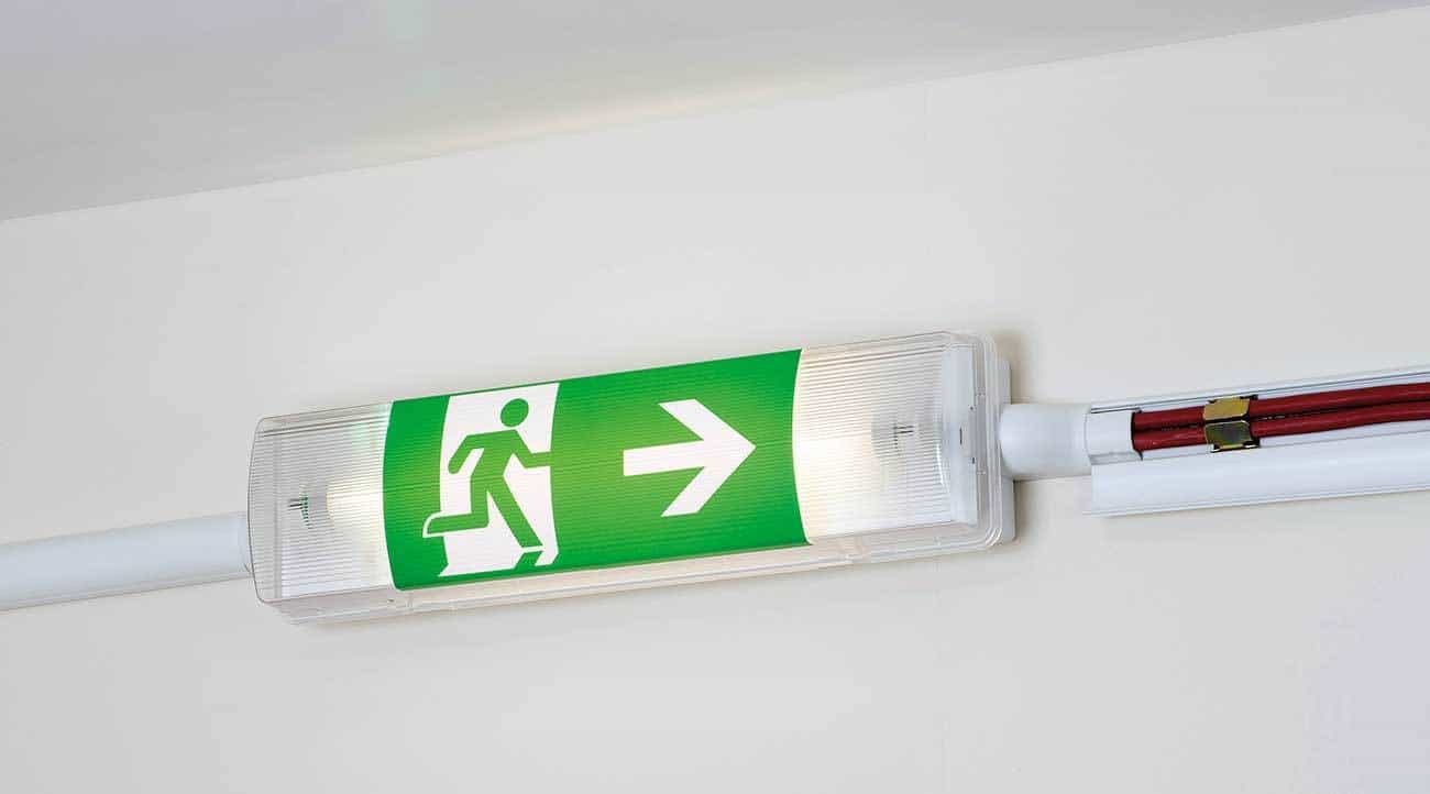 Safe-D30 Clip retaining FP cables in an emergency lighting installation – circuit integrity retention tested and certified.