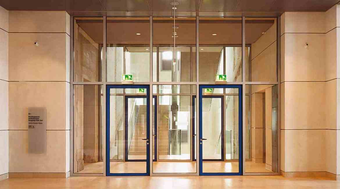 Pilkington Pyrostop® is a family of clear, laminated fully insulating fire- and impact-resistant glass that maximises the available levels of natural light and visibility installed in an EI 30 rated fire-resistant door system.