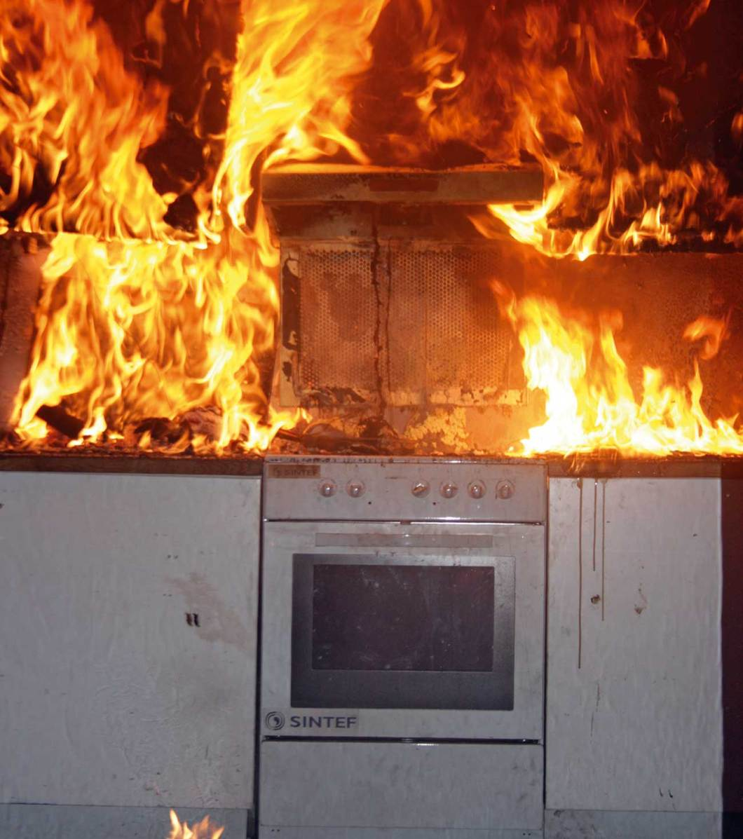 Experiments on cooking fires and stove guards, at SP Fire Research (formerly SINTEF NBL). A new European standard for the performance of different classes of stove guards has been published.