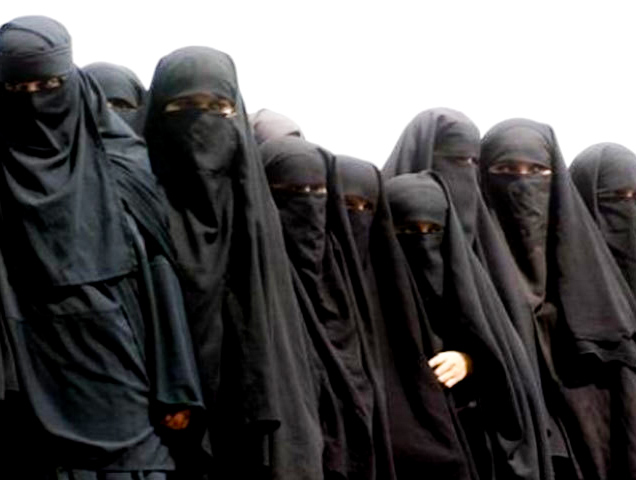 afghan women wearing burqa