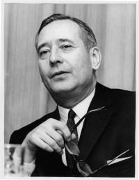 Jean S. Pictet (1914-2002), vice-président du CICR. Président de la section juridique et directeur de affaires générales.