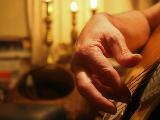 essence of desire hands alpha male