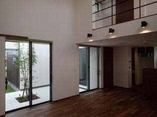 菖蒲原の家8