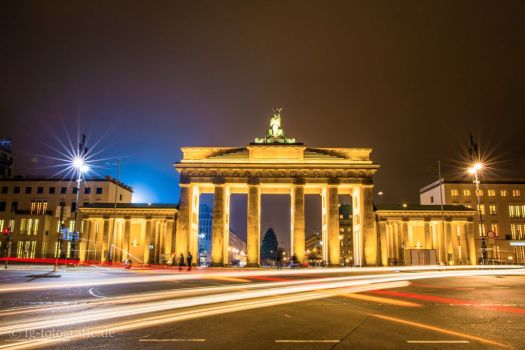 brandenburg-gate-golden-night-1