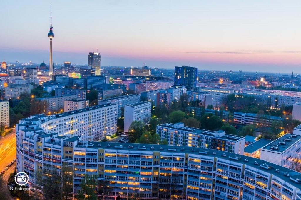 Berlin-Skyline-Platz-der-Vereinten-Nationen-1