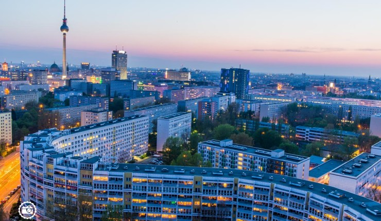 Berlin-Skyline-Platz-der-Vereinten-Nationen-1