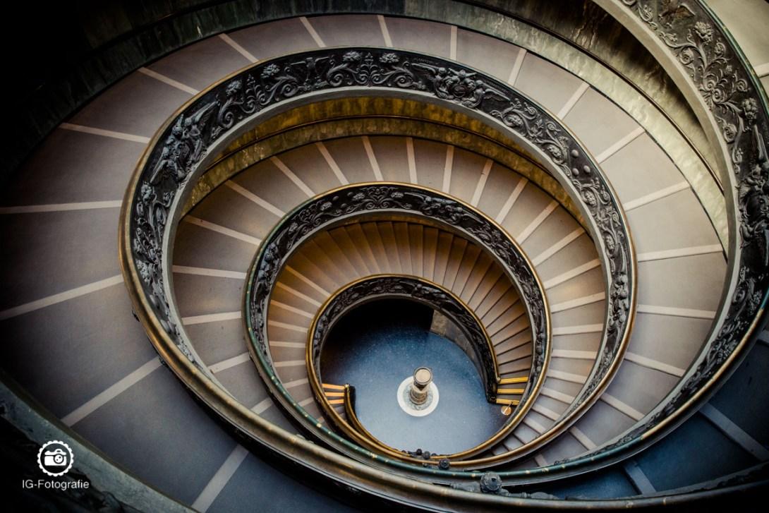 fototour-vatikanische-museen-treppe
