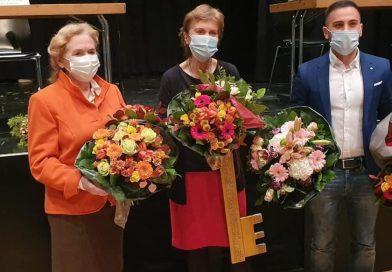 Bezirksbürgermeisterin Claudia Greven-Thürmer im Amt bestätigt