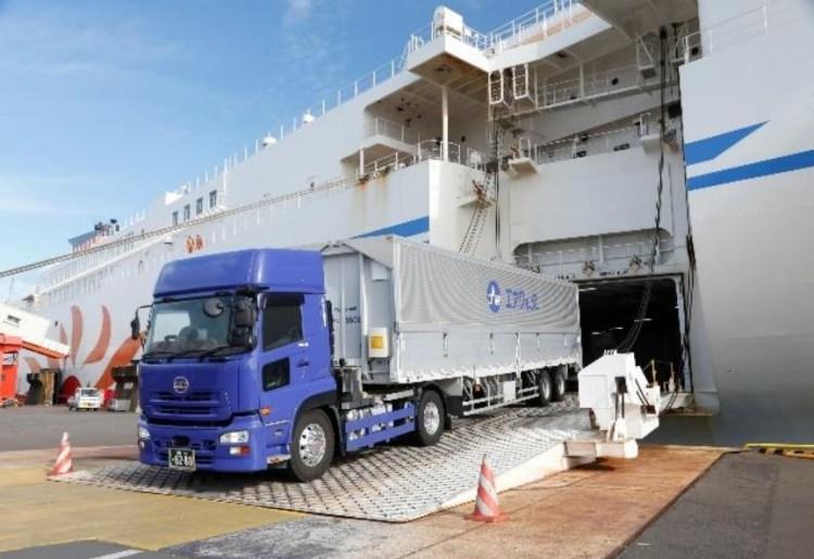 トレーラーによる輸送イメージ