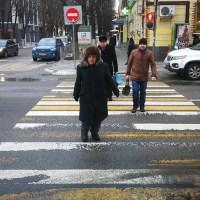 Уличный гармонист из Воронежа рассказал о своей жизни и 20 годах игры на перекрёстке