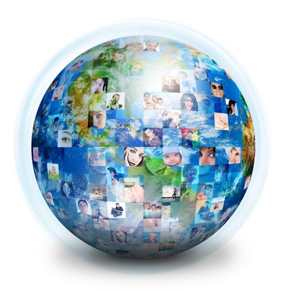 Bola del mundo llena de gente