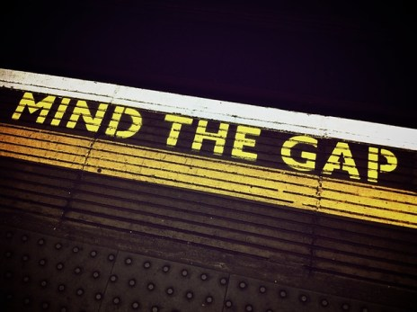 mind-the-gap-1876790_640