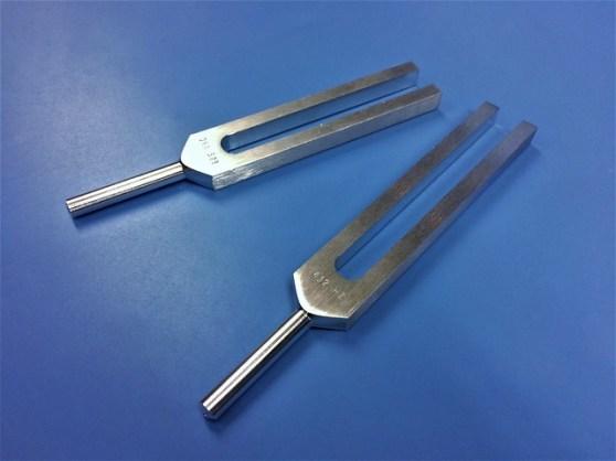 tuning-fork-1906403_640.jpg