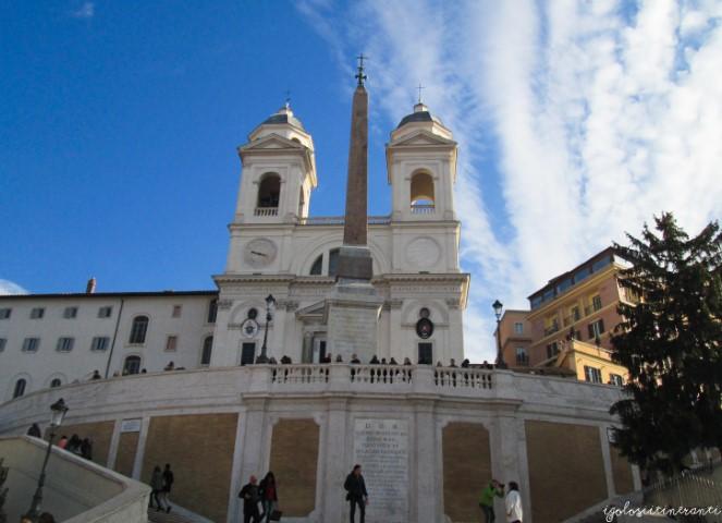 Trinità dei Monti vista dalla scalinata di Piazza di Spagna