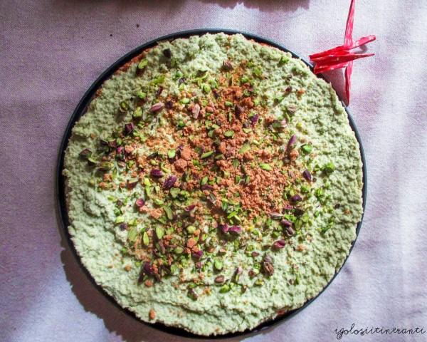Cheesecake al pistacchio e amaretti senza cottura