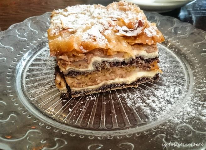 Fetta di gibanica, torta tipica slovena