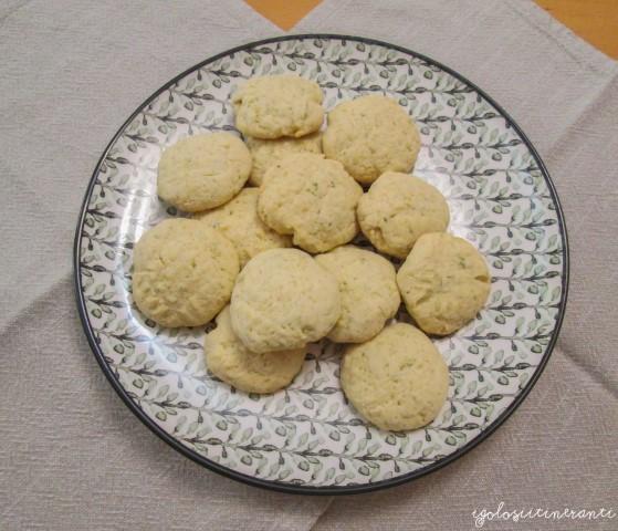 Biscottini di frolla al lime e rosmarino