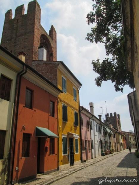 Casette colorate a Montagnana