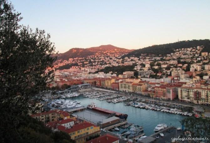 Vista sul porto di Nizza
