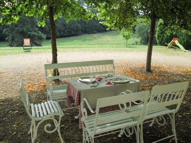 Chateau du Petit Thouars, picnic