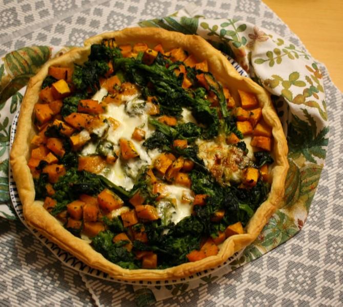 Torta salata con zucca e cime di rapa