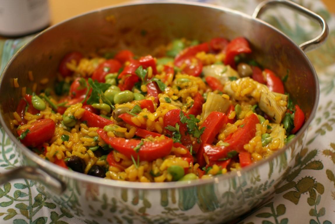 Paella di verdure e un calice di Riesling