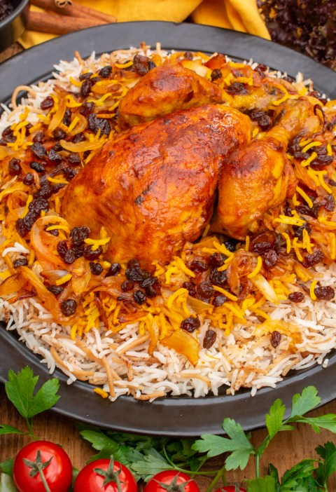 Reshteh Polo recipe | Persian Noodle Rice with Onions and Raisins | Persian recipes by igotitfrommymaman.com