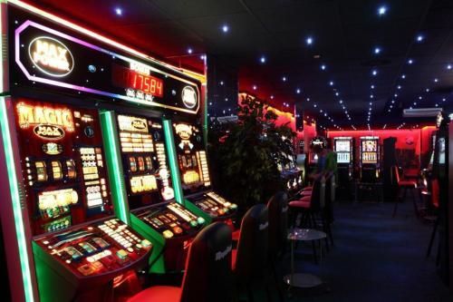 Игровые автоматы - настоящий азарт онлайнi азов сити казино адрес