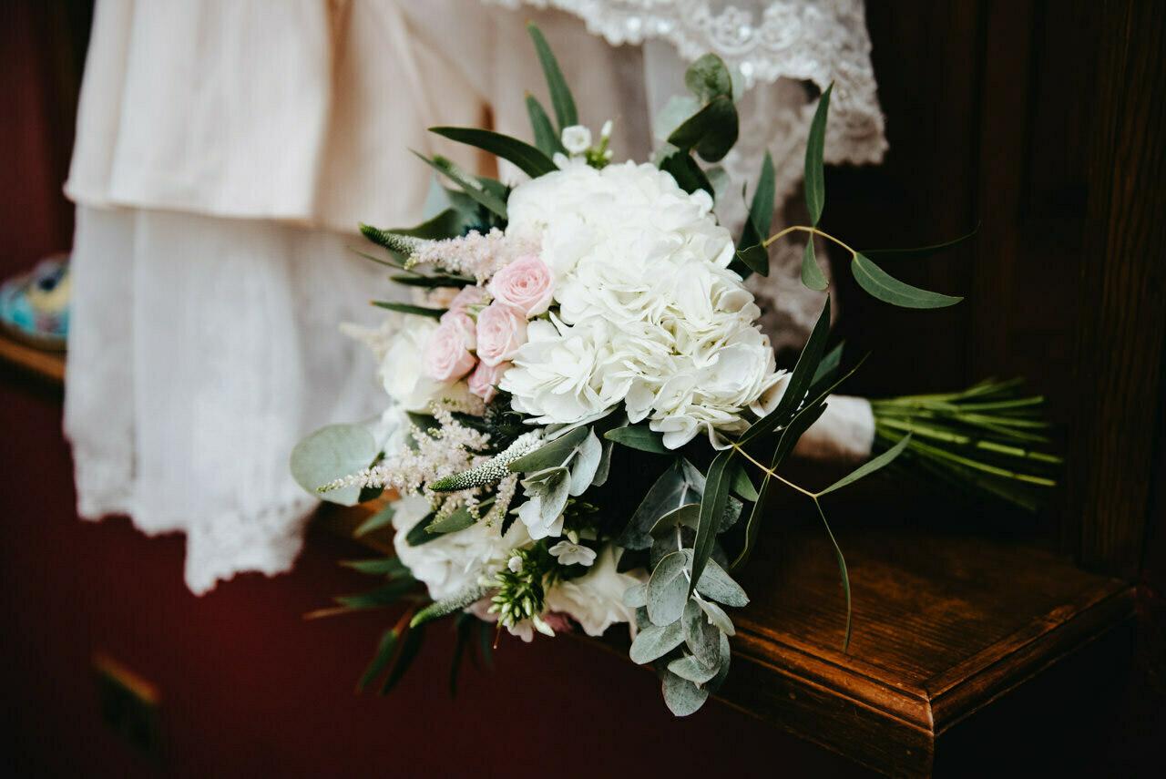 Cressbrook Hall wedding photography - Debbie and Martin 5