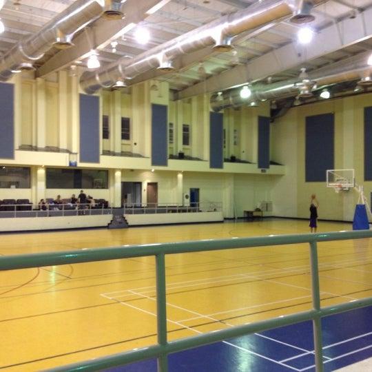 Al Manara Indoors Sports Hall - Basketball Court in المنارة