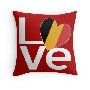 Pillow with Belgian LOVE design